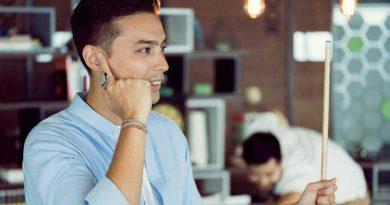 Cincin Ini Ubah Jari Menjadi Ponsel